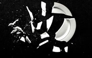 Broken_Plate_Black_Background
